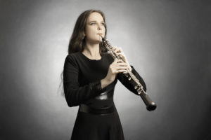 classical_musician_oboe_playing
